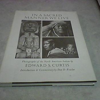 EDWARD S. CURTIS  PHOTO BOOK 1972 - Native American
