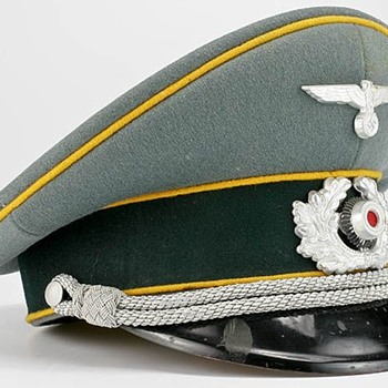 Third Reich Cavalry Officer's visor cap