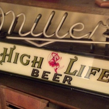 Miller High Life Beer Neon Light up Sign - Breweriana