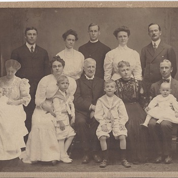 Unusual 1910 dated family portrait