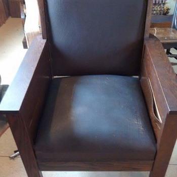Kroehler Chair - Furniture