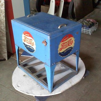 1940&#039;s Pepsi Ice Chest - Advertising