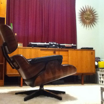Mid Century Modern Eames Herman Miller Lounge Chair