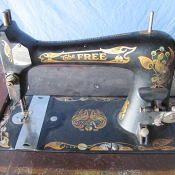The Free Sewing Machine Co. Chicago - Sewing