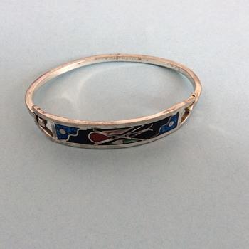 Silver Bangle Bracelet!