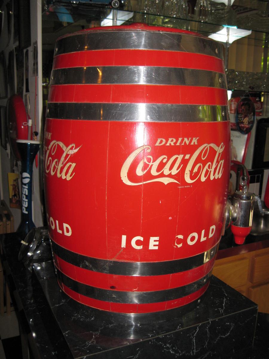 coca cola dispenser barrel collectors weekly. Black Bedroom Furniture Sets. Home Design Ideas