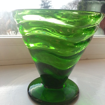 So is this Webb? - Art Glass