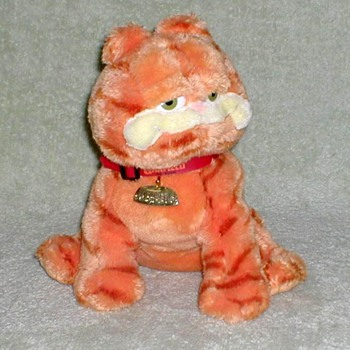 "2004 - ""Garfield"" Plush Toy"