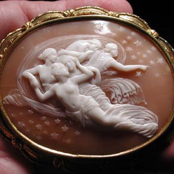 The most rare cameo ever of the celestial nymphs