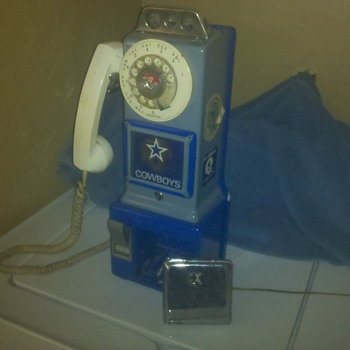 Dallas Cowboy payphone