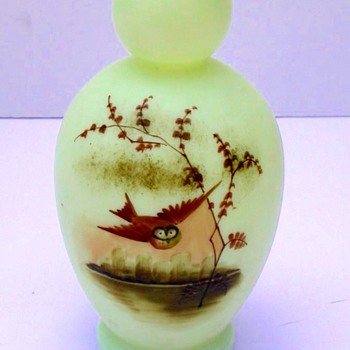 HARRACH UV VASE WITH ENAMELED OWL - Art Glass