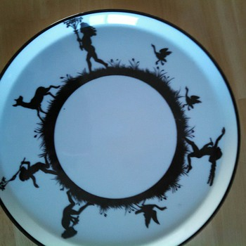 Nippon Plate black and white handpainted dancing children - China and Dinnerware