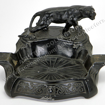 Cast Iron Black Panther Ashtray - Tobacciana