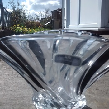 NewGrange Waterford Crystal Vase bowl table centerpiece with spiral effect in black and clear glass. - Glassware
