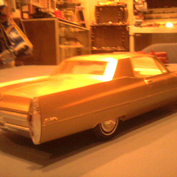The pretty lines of mid 60's Cadillacs... - Model Cars