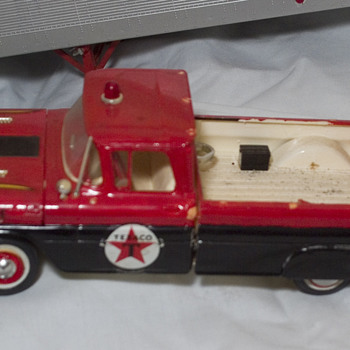 1960 Chevy Road service texaco truck model