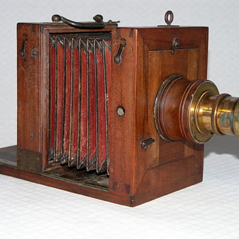 French Very Early Wet Plate Camera |1850-1860 | Tailboard | 9x12cm.