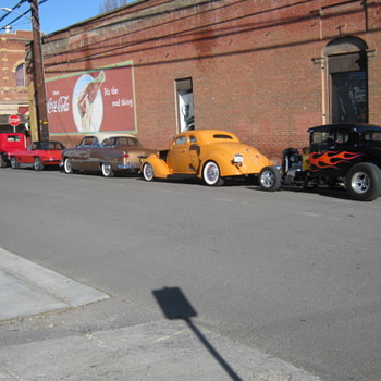HOT RODS & OLD TOWNS - Classic Cars