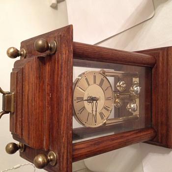 "Wood Clock West Germany Quartz ""PEARL"" Brand Spinning Pendulum Haller W993"