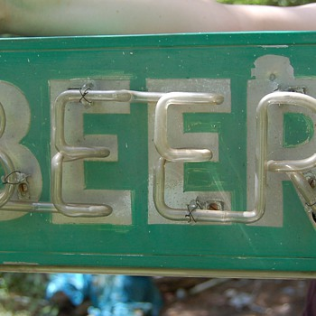 outdoor neon beer sign 1930 - Breweriana