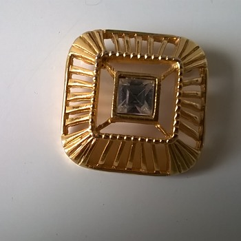 1950s-1960s Trifari Jewel Brooch Thrift Shop Find - Costume Jewelry