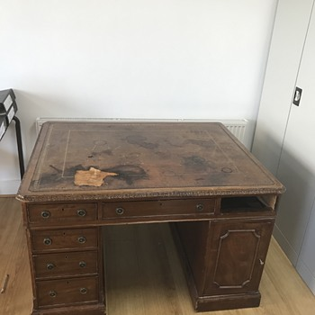 Desk for two people