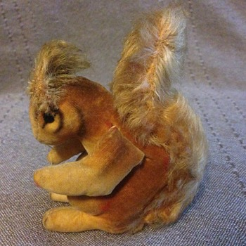 STEIFF Acorn Squirrel, Brown