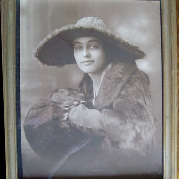 Old Photo of Me Ma at age 19 - Photographs