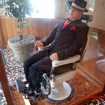 Al Capone's Personal Barber Chair - Furniture