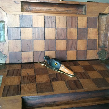 Unusual well crafted folding checker board - Games