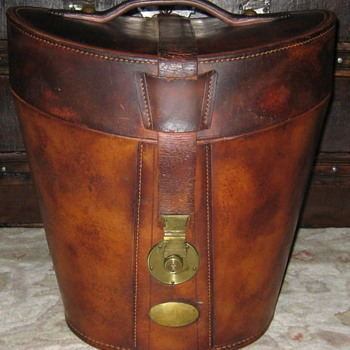 "Antique Leather ""Double"" Top Hat Case"