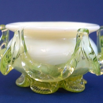 CZECH VASELINE OPEN SALT - Art Glass