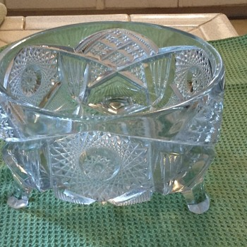Crystal bowl w feet - Glassware