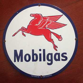 Mobilgas Circular Sign - Signs