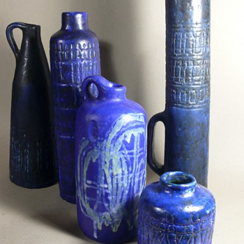 Marta Holomcsik Hungary - Art Pottery