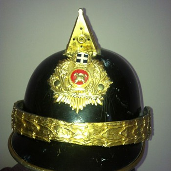 unknown fire helmet, help with any info please - Firefighting
