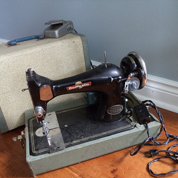 Vintage Domestic Sewing Machine Model 128 - Sewing
