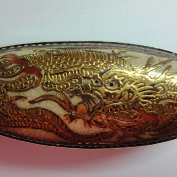 Antique Oval Japanese Satsuma Meiji period Dragon Brooch Pin  - Fine Jewelry