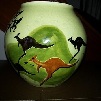 MARTIN BOYD VASE - Pottery