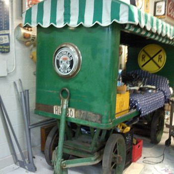 Antique Railroad baggage cart - Railroadiana