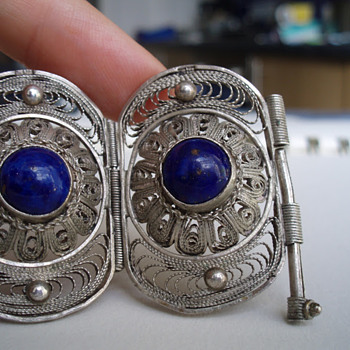 Vintage Egyptian silver filigree bracelet with lapis. - Fine Jewelry