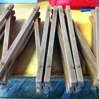 wood retractable ?