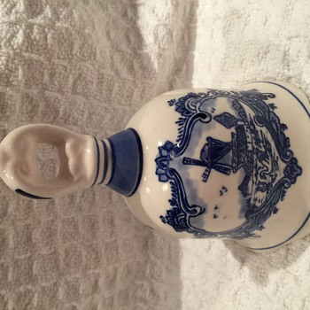 Delft BLue Bell ? - Pottery