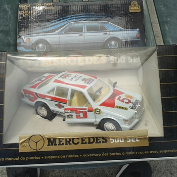 Rare Mira Spain Marlboro Mercedes 500 SEL 1/25 scale - Model Cars