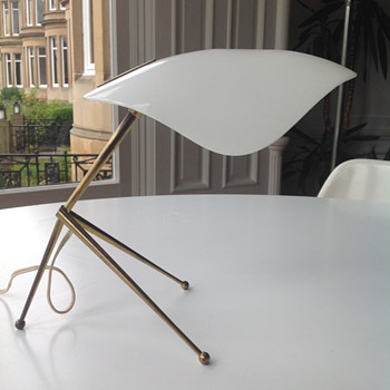 Mid Century tripod table lamp.
