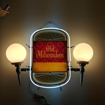 Old Milwaukee light - Breweriana