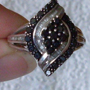 diamond ring that needs repair  can it be done ?? and if so any idea as to cost? - Fine Jewelry