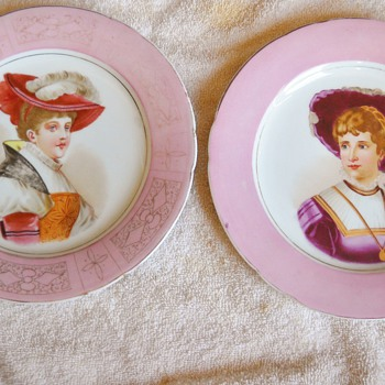 Pair of unmarked portrait plates - China and Dinnerware