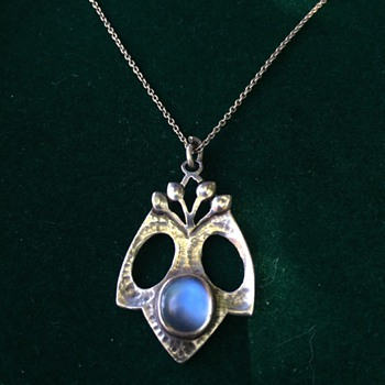 Arts & Crafts moonstone pendant - Arts and Crafts