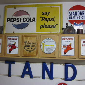 Porcelain Pump Signs - Petroliana